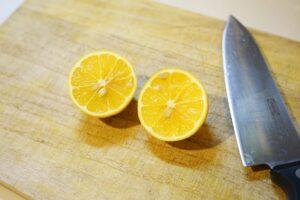 saorin・室長の外ごはん白書 vol. 8 庭のレモンでホットワイン
